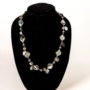 NWOT grey mother of pearl necklace